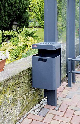 Abfallbehälter HALIFAX, 35 Liter, mit Ascher, zur Wandbefestigung, in RAL 7016 anthrazitgrau