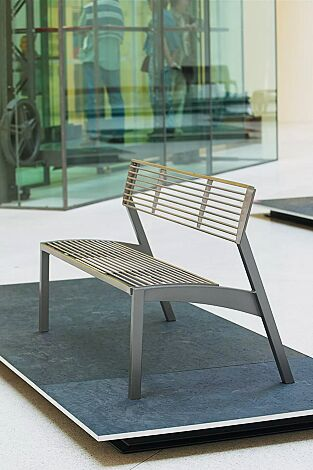 Sitzkbank VERA mit Rückenlehne, mit Edelstahl-Rundstahlauflage, Stahlteile in DB 703 eisenglimmer