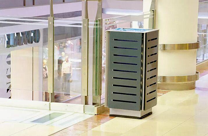 Abfallbehälter DIAGONAL, quadratisch, Korpus: gestanztes Stahlblech, in RAL 7016 anthrazitgrau und RAL 9006 weißaluminium (zweifarbig auf Anfrage)