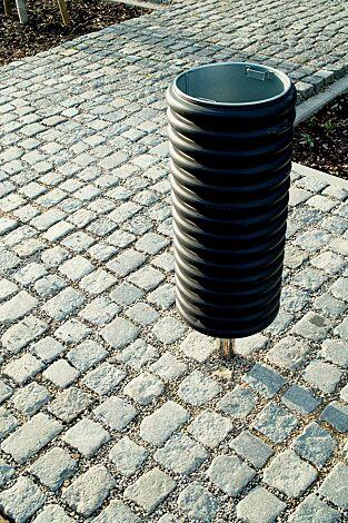Abfallbehälter CYLINDRE, 35 Liter, mit Edelstahlpfosten mittig zum Aufdübeln