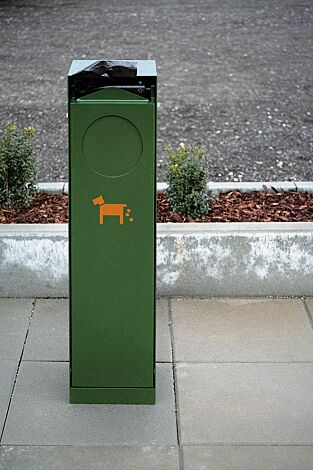 Hundetoilette CRYSTAL in RAL 6010 grasgrün, Siebdruck in RAL 2004 reinorange