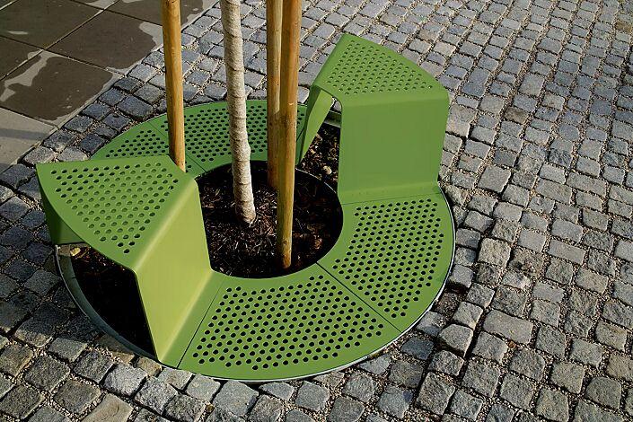 Baumschutzrost SINUS mit 2 Sitzen, Sitze ohne Kunststoffnoppen, in RAL 6010 grasgrün