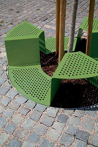 Baumschutzrost SINUS mit 3 Sitzen, Sitz ohne Kunststoffnoppen, in RAL 6010 grasgrün