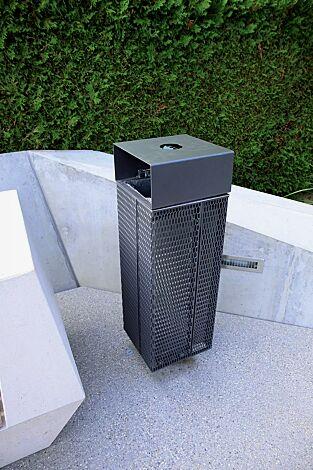 Abfallbehälter NANUK, quadratisch, mit Schutzdach und Ascher, Korpus: Streckmetall, in RAL 7016 anthrazitgrau
