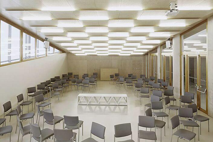 Sitzbank CONSTRUQTA aus UTC®-Beton, in weiß