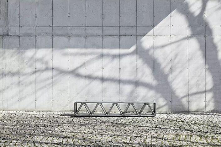 Sitzbank CONSTRUQTA aus UTC®-Beton, in hellgrau