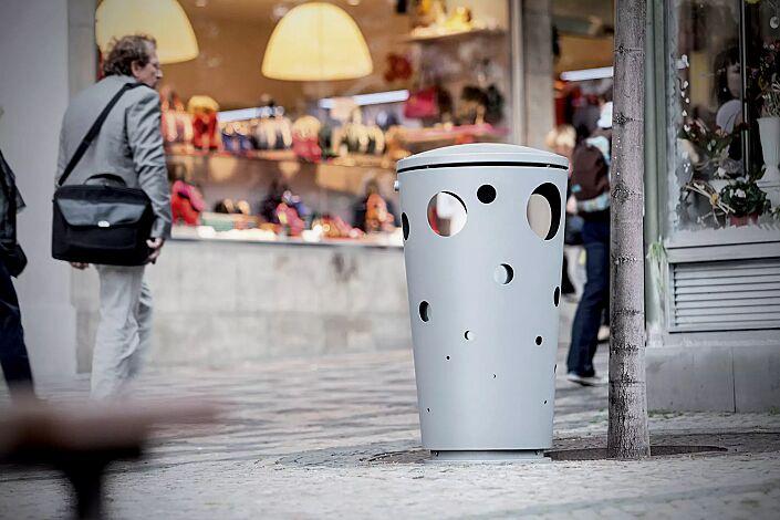 Abfallbehälter SWISSBIN zum freien Aufstellen, in RAL 9006 weißaluminium
