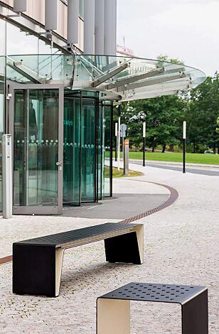 Sitzbank RADIUM ohne Rückenlehne, Stahlteile bicolor in RAL 9005 tiefschwarz und RAL 1015 hellelfenbein