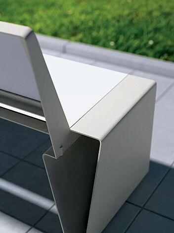 Sitzbank RADIUM mit Rückenlehne, mit weißer HPL-Auflage, Stahlteile in RAL 9006 weißaluminium