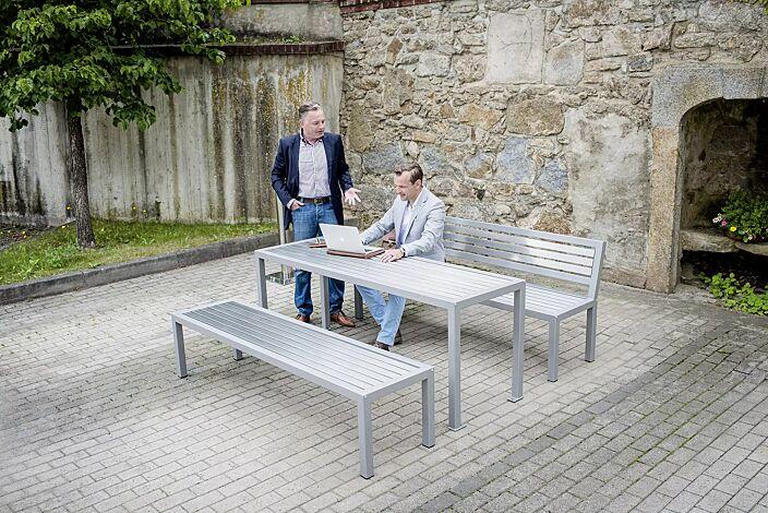 Bank-Tisch-Kombination LIGURIA mit Edelstahlauflage, bestehend aus einem Tisch, Sitzbank mit und ohne Rückenlehne, Stahlteile in RAL 9007 graualuminium, zum freien Aufstellen