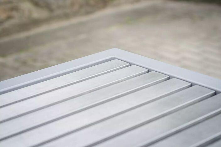 Detail: Edelstahlauflage