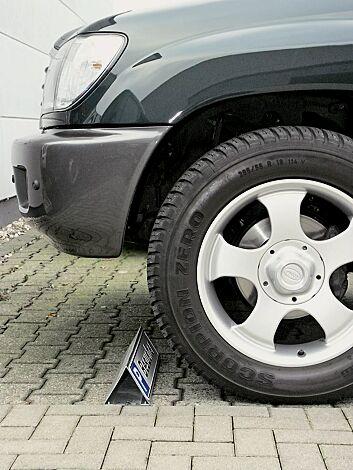 Parkbegrenzung aus feuerverzinktem Stahl für Schilder 520 x 110 mm