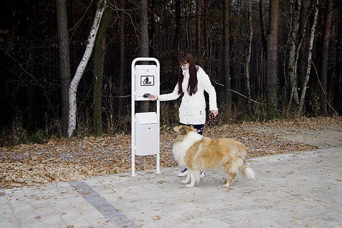Hundetoilette COLLIE, zum Aufdübeln, in RAL 9016 verkehrsweiß<br /> <br /> Beutel entnehmen, Hundekot mit umgestülptem Beutel aufnehmen und zuknoten