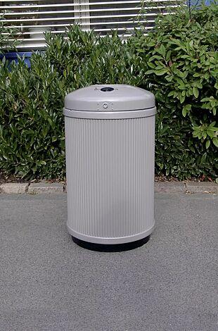 Abfallbehälter MONCTON, mit Ascher, in RAL 9006 weißaluminium