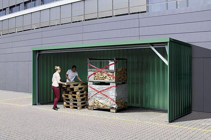 Wertstoffüberdachung BALTIMORE, Dachbreite x Dachtiefe 6100 mm x 2300 mm, Stahlkonstruktion feuerverzinkt und lackiert in RAL 6005 moosgrün, inkl. Rück-, Seitenwänden und Dacheindeckung in Stahltrapezblech