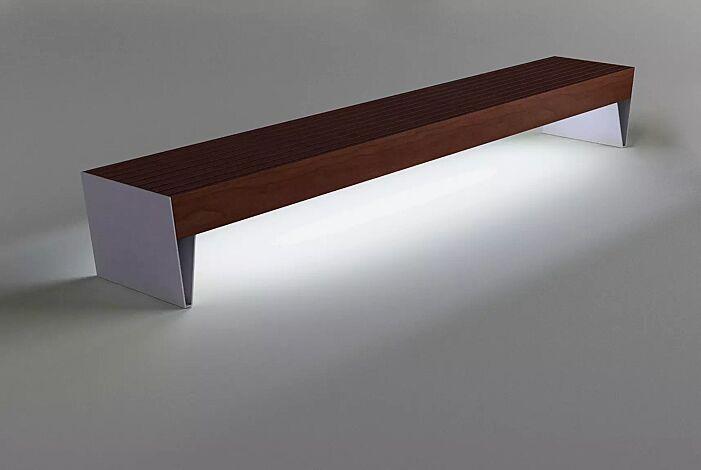 Sitzbank BLOCQ ohne Rückenlehne, mit Jatobaholzbelattung, Stahlteile in RAL 7035 lichtgrau, mit LED-Beleuchtung (Zubehör)