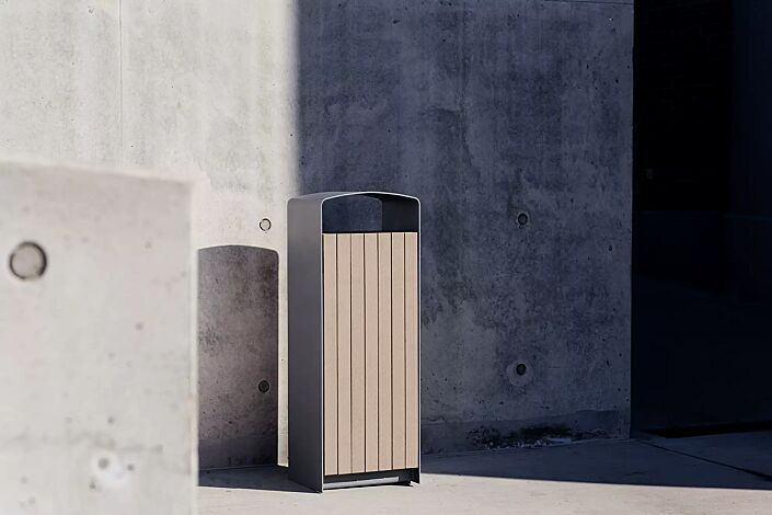 Abfallbehälter PRAX, Korpus: Resystabelattung lasiert in natur, Stahlteile in RAL 9007 graualuminium