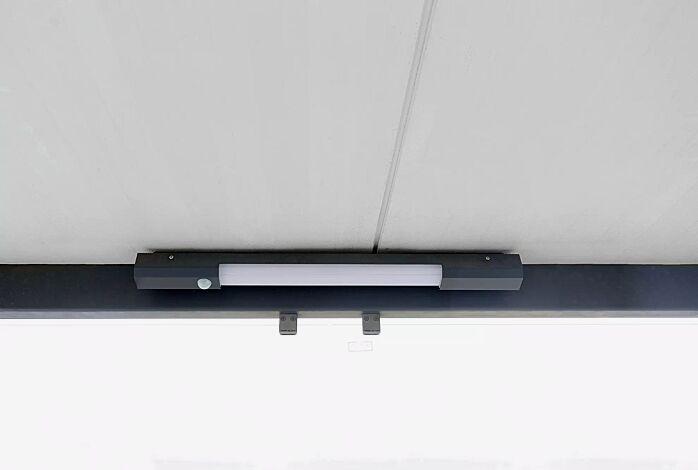 LED-Decken- / Wandleuchte, mit Bewegungsmelder, Länge 800 mm