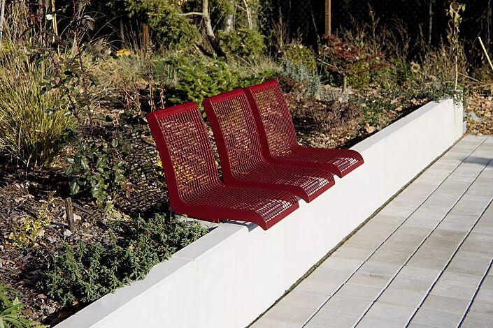 Mauerauflage LINUS mit Rückenlehne, Einzelsitz, in RAL 3005 weinrot