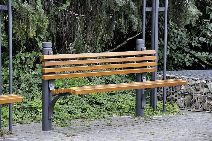 Sitzbank mit Poller BOULEVARD 102 in RAL 7016 anthrazitgrau