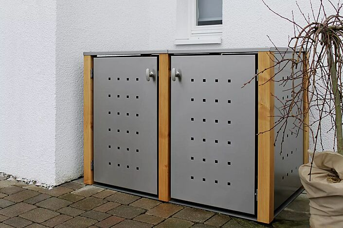 Müllbehälter-Doppelschrank GARLAND mit Flachdach, Türen, Dach, Rück- und Seitenwandelemente aus Edelstahl, Pfosten in Lärchenholz