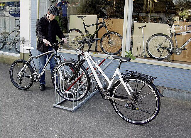 Fahrradständer OAKLAND mit Anlehnbügel, einseitig, 4 Stellplätze, feuerverzinkt