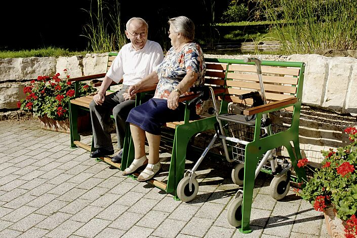 Sitzbank EASY GO-SENIOR, 3-Sitzer + Rollatorstellplatz, Stahlteile in RAL 6009 tannengrün