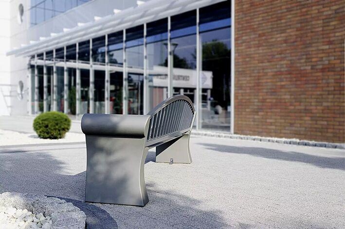 Sitzbank SAVONA mit Rückenlehne, Stahlteile in RAL 9007 graualuminium, Beton beschichtet in Farbe grau