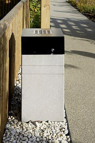 Abfallbehälter BRNO mit Ascher, mit Schutzdach in RAL 7021 schwarzgrau