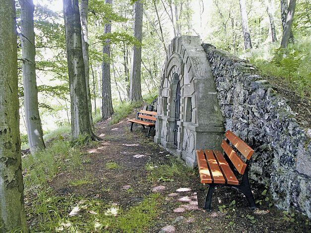 Sitzbank ROMA mit Holzbelattung, mit Rückenlehne
