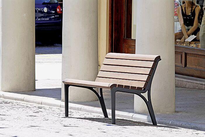 Sitzbank MONET, Länge 1300 mm, mit Sapeliholzbelattung, Stahlteile in RAL 7016 anthrazitgrau