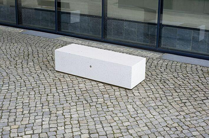 Sitzbank DEMETRA ohne Rückenlehne aus Beton, Sitzflächen gestockt, in Granitoptik weiß<br>