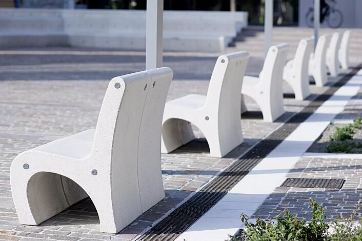 Sitz GEA aus Marmor, in weiß carrara<br>