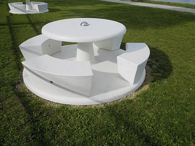 Bank-Tisch-Kombination ICARO aus Beton, in Granitoptik weiß