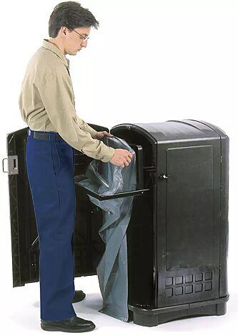 standardmäßig mit ausfahrbarem Abfallsackhalter
