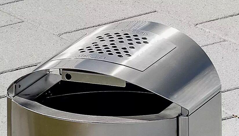 Ascher im Schutzdach integriert (Mehrpreis für 50- bzw. 60-Liter-Ausführung)