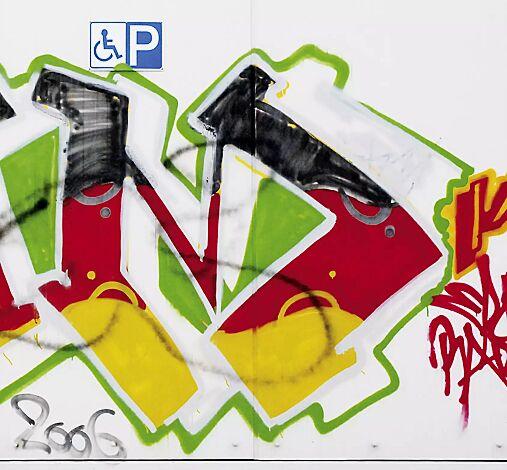 vor der Behandlung mit Graffiti-Entferner