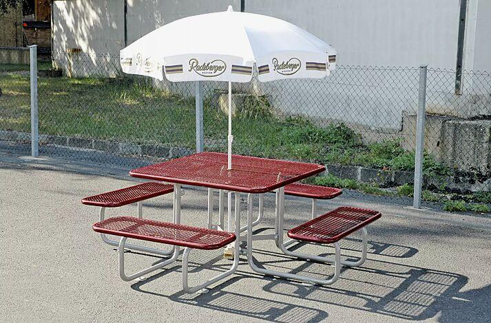 Bank-Tisch-Kombiniation GRADO (für Erwachsene), Sitz- und Tischfläche in RAL 3005 weinrot, Gestell in RAL 9007 graualuminium
