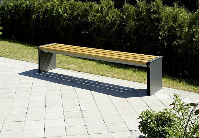 Sitzbank NATURA ohne Rückenlehne, mit Holzbelattung, Stahlteile in RAL 7016 anthrazitgrau