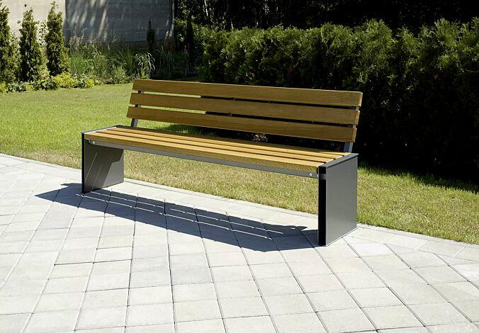 Sitzbank NATURA mit Holzbelattung, mit Rückenlehne, Stahlteile in RAL 7016 anthrazitgrau
