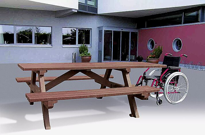 Bank-Tisch-Kombination COMMON, frontal für 1 Rollstuhlstellplatz