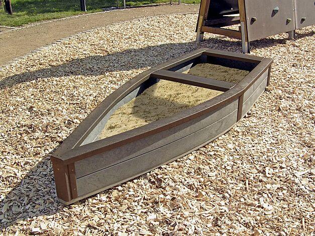 Sandkasten CAPTAIN HOOK, 2850 x 1050 mm, Sitzfläche braun
