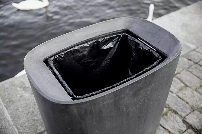 Detail: Abfallsackhalterung