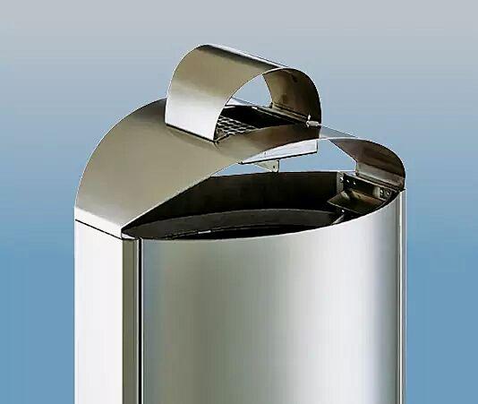 Ascher beim 50-Liter-Edelstahl-Standbehälter im Schutzdach integriert