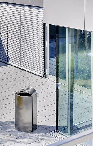 Abfallbehälter CAPITAL, 90 Liter, aus Edelstahl, mit Ascher (Mehrpreis)