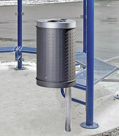 Abfallbehälter CORNWALL mit Ascher, Korpus in eisenglimmergrau, Deckel in RAL 9006 weißaluminium, mit feuerverzinktem Pfosten zum Einbetonieren (Zubehör)