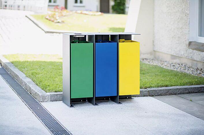 Abfallbehälter DIVISION (1 Behälter inkl. Ascher), 60 Liter, lückenlos nebeneinander platziert, Korpus Behälter in RAL 6029 minzgrün, in RAL 5010 enzianblau und in RAL 1021 rapsgelb