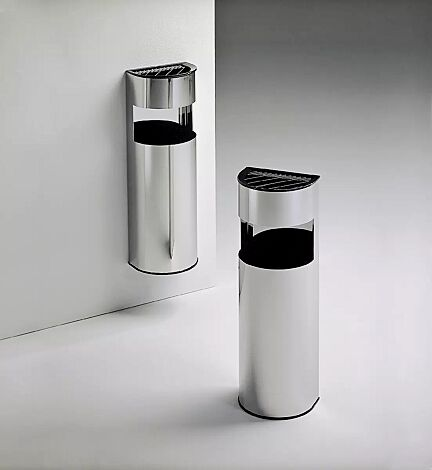 Abfallbehälter HABANA, an Wand befestigt<br /> <br /> Abfallbehälter HABANA, frei stehend