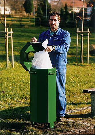 Abfallbehälter HAMBURG, aus Stahl- mit Ungeziefer-Bekämpfungs-Einrichtung, in RAL 6024 verkehrsgrün
