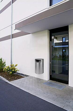 """<div id=""""container"""" class=""""container"""">Abfallbehälter INBIN aus Edelstahl, 40 Liter, mit Ascher, zur Wandbefestigung</div>"""